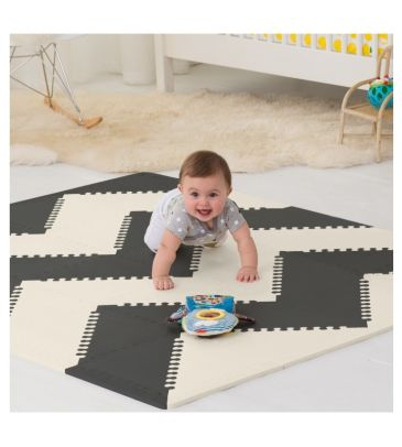 Mata piankowa Skip Hop Playspot GEO black/cream